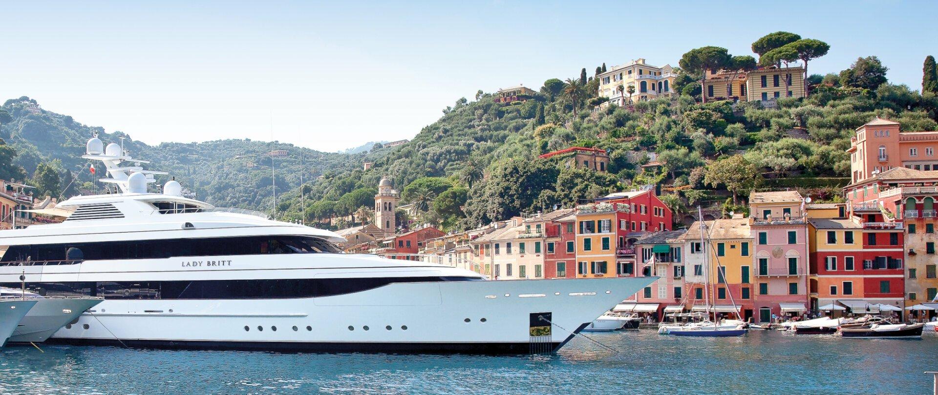 Lady Britt in an Italian port