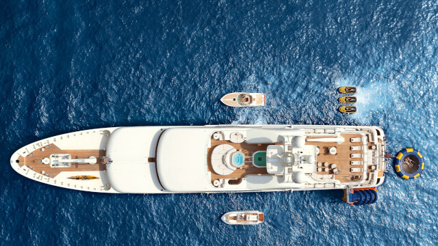 Charter Yacht Vacation