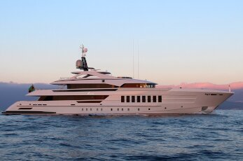 The Vida yacht built by Heseen, at sea as the sun sets