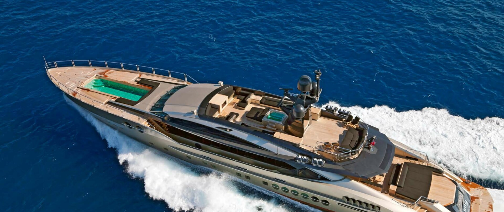 DB9 Yacht for Charter photo 18