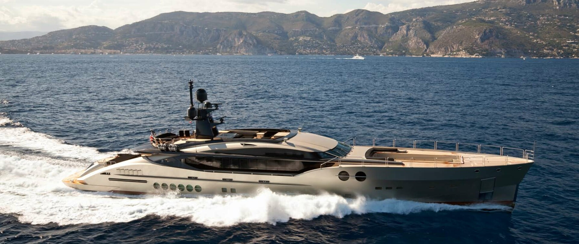 DB9 Yacht for Charter photo 3