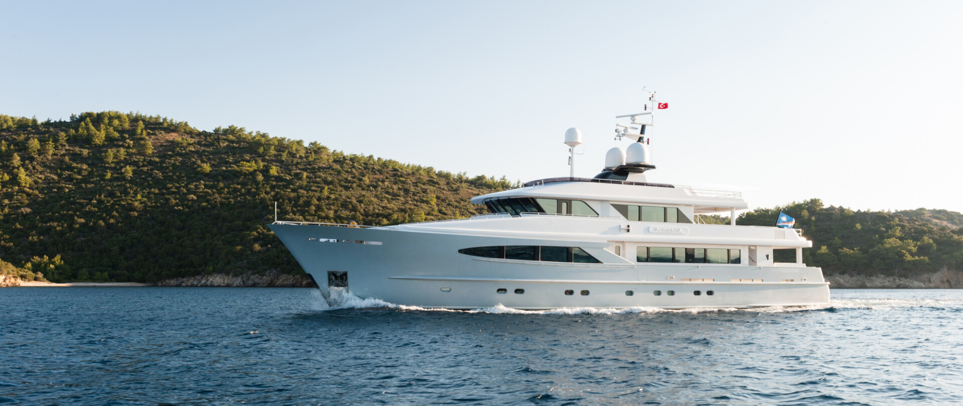 ALUMERCIA - Price reduction / At anchor during MYS 2017 photo 1