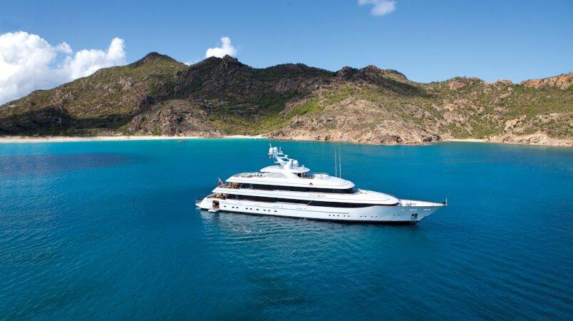 Lady Britt - Remaining availability in the Caribbean