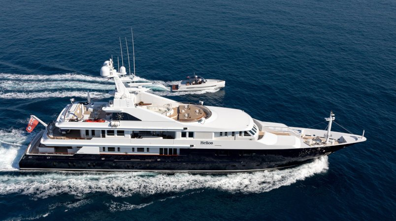 Helios, special weekend deal for Caribbean charters