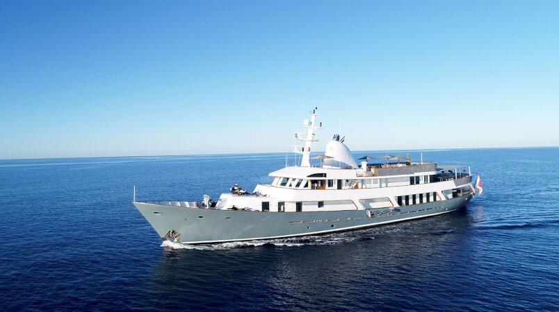 Menorca - Book her remaining summer dates