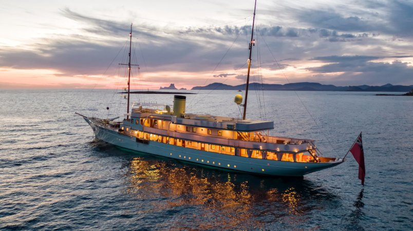 Haida 1929 - Available for charter this summer in the West Med