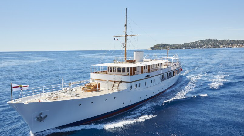 Malahne, 15% discount on June charters