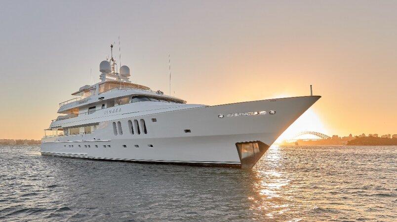 Yacht sold, Ilonka