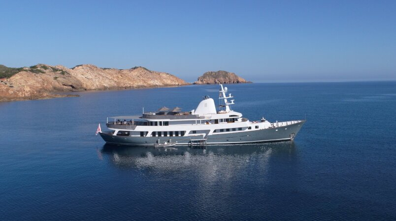 Special rate for an exceptional September charter on Menorca