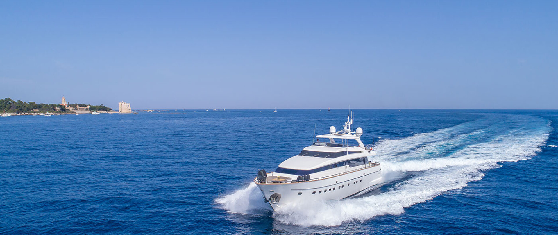 30m Sud - Available from 15th August onwards photo 1