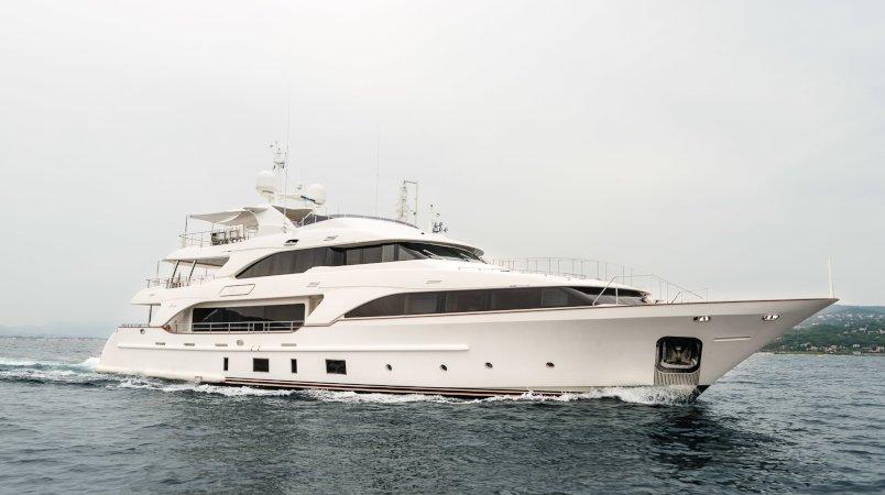 Yacht sold: Vaao