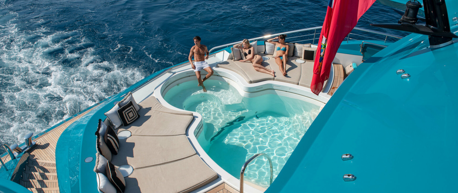 Enjoy the winter holidays on board a luxury yacht photo 1