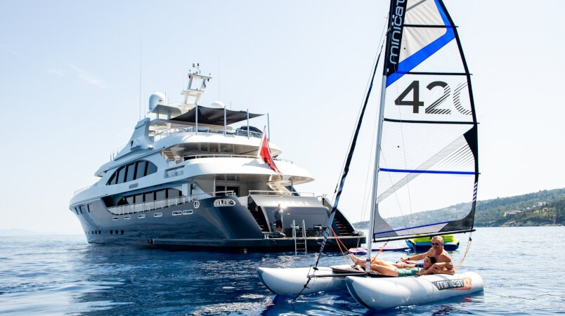 5 reasons to charter a yacht in Greece this summer