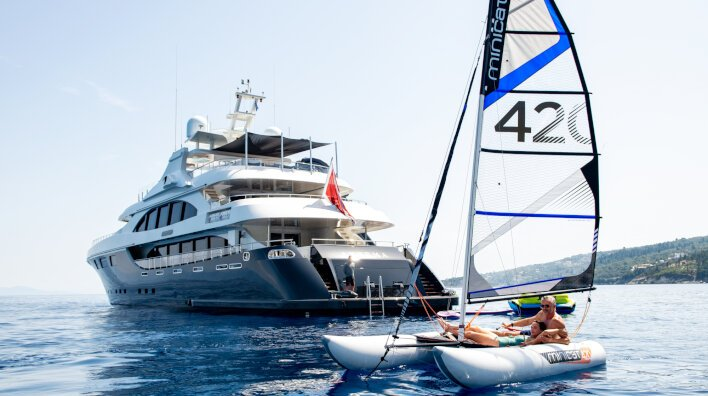 5 reasons to charter a yacht in Greece this summer...