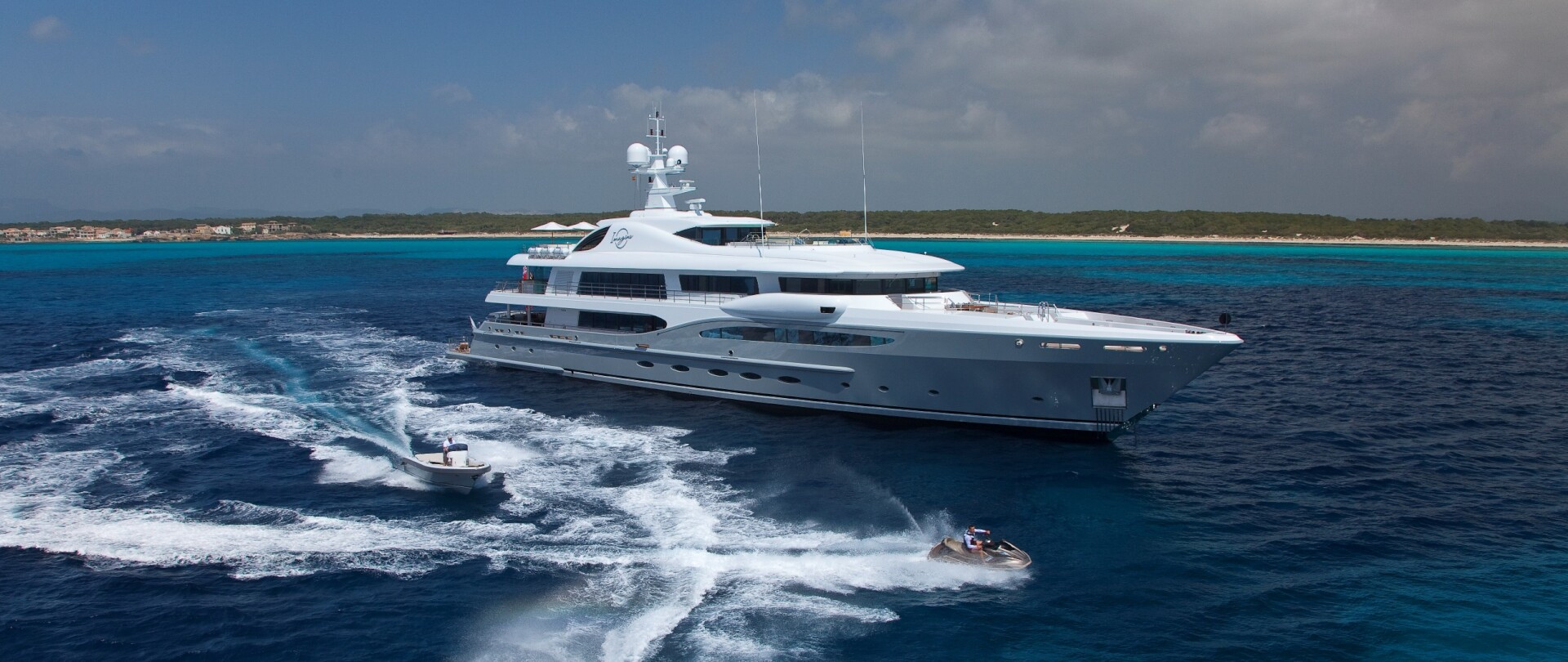 Edmiston sells half of the industry's largest yachts photo 1