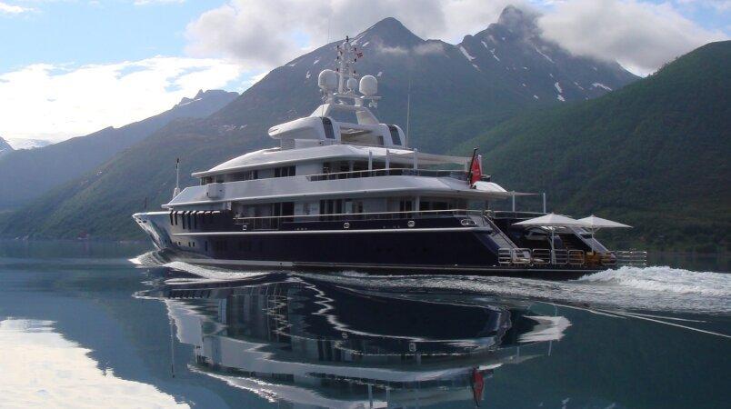 TRIPLE SEVEN - Yacht Sold