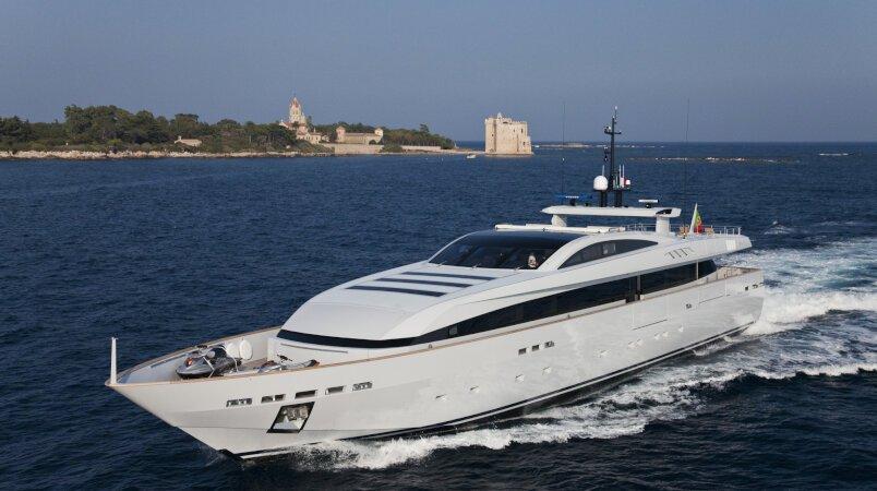APACHE II - Spanish Cruising Permit Renewed