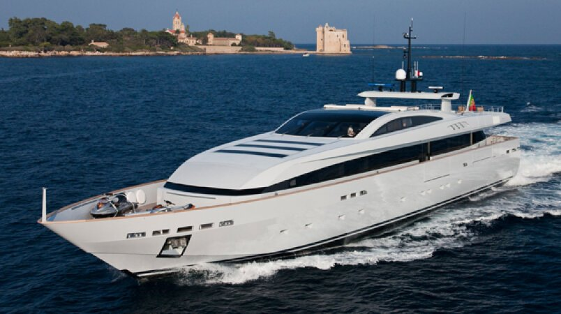 APACHE II Available in St Tropez with Confirmed Berth