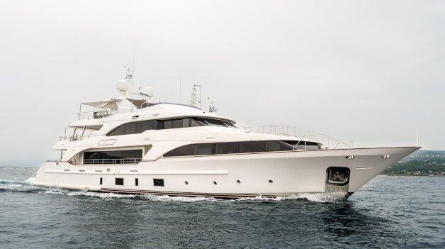 sold yacht Vaao