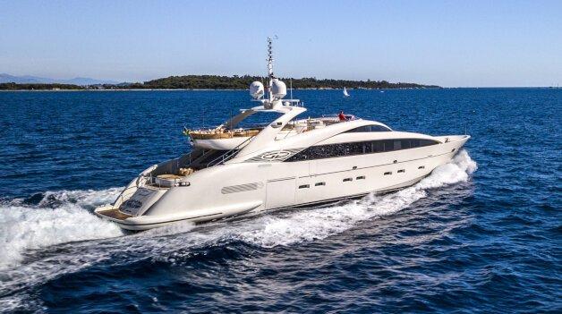 sold yacht Gemini