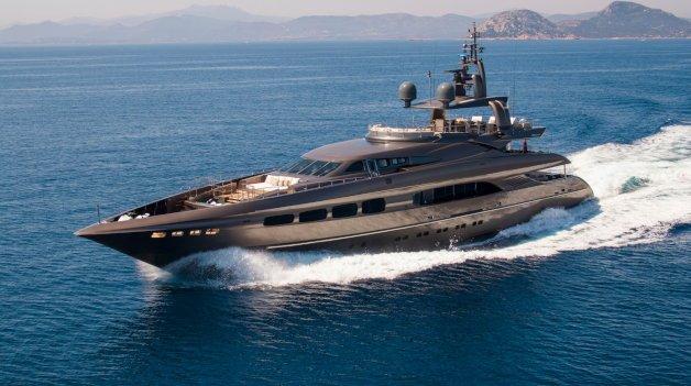 sold yacht Auspicious