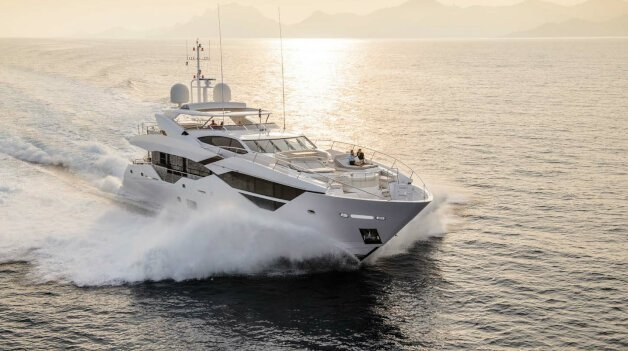 sold yacht Spectre