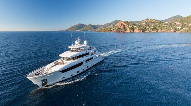 sold yacht Narvalo
