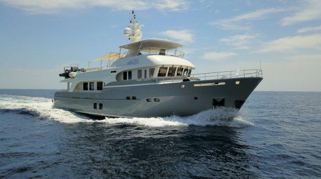 sold yacht Mrs B