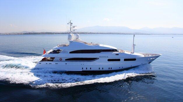 sold yacht Magenta M
