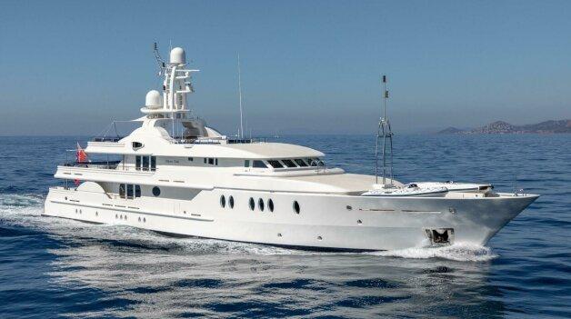 sold yacht Deja Too