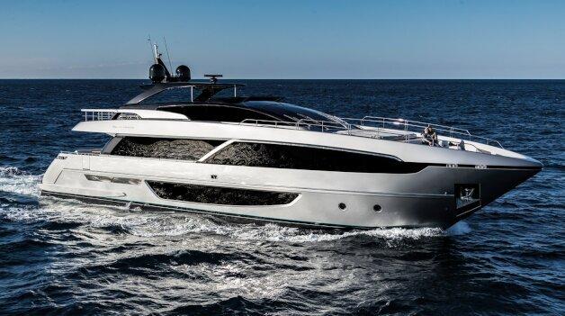 sold yacht Janus Navem