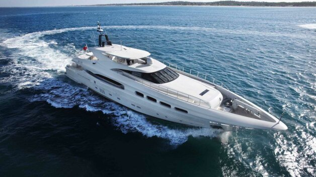 sold yacht INFINITY 8