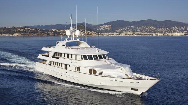 sold yacht KANALOA