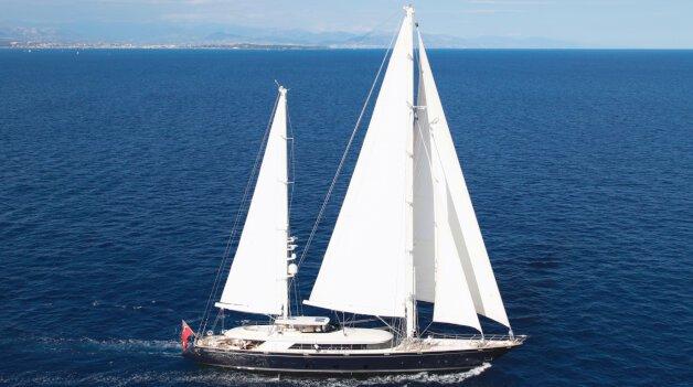 sold yacht Silencio