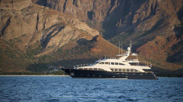 sold yacht Albatross