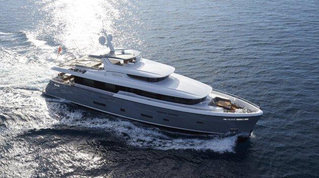 sold yacht Bijoux II
