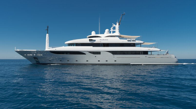 Rarity yacht for Charter