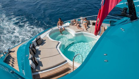 Sunrays yacht for Charter