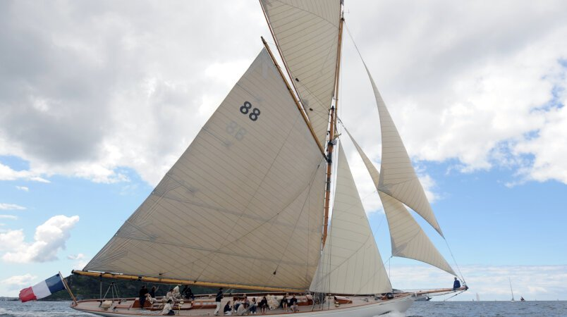 Moonbeam of Fife III Luxury Super Yacht For Sale