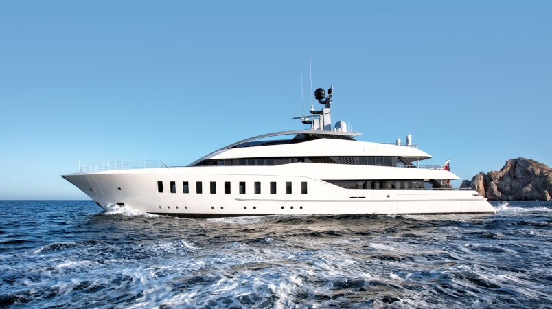 Halo yacht for Charter