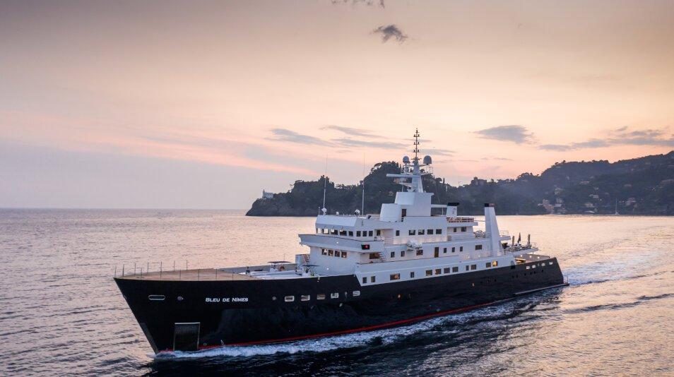 Bleu De Nîmes Yacht for charter