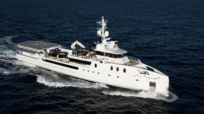 Game Changer yacht for Charter