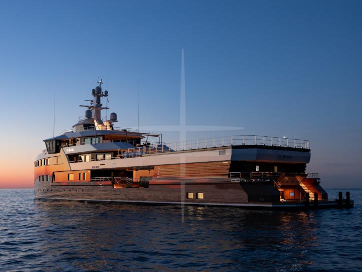 La Datcha  yacht for charter