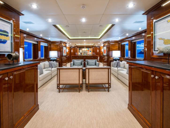 De-De yacht for sale