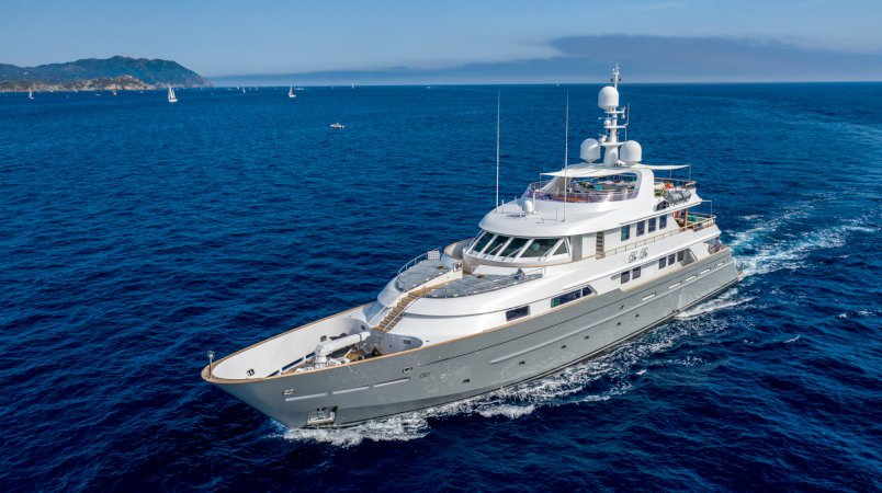 De-De Luxury Super Yacht For Sale