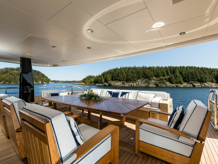 Lili yacht for charter