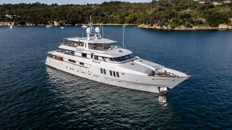 Moatize Luxury Super Yacht For Sale