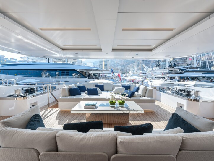 Entourage yacht for charter