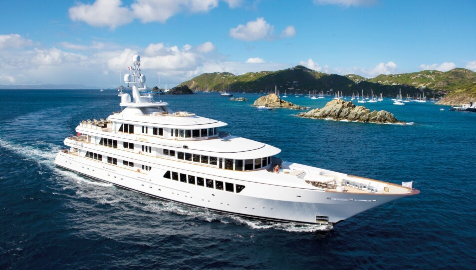 Utopia yacht for Charter