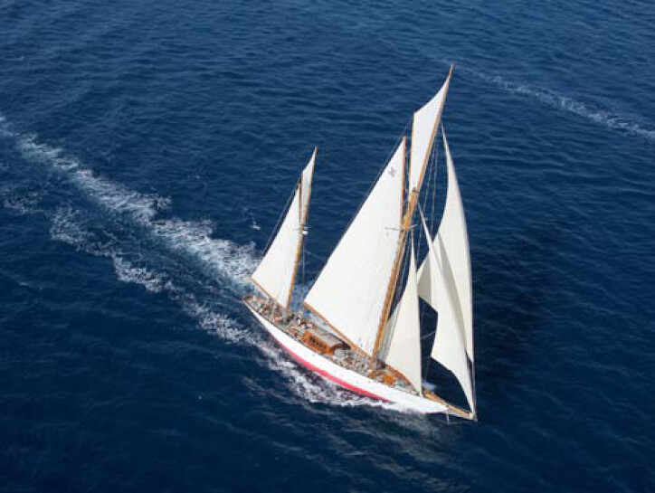 Thendara yacht for sale